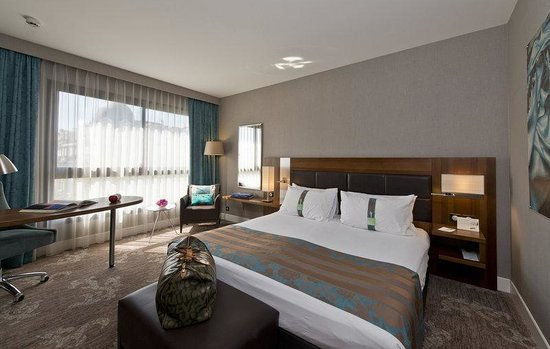 Holiday Inn Nice: Guest Room