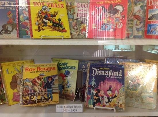Clemenceau Heritage Museum: Display of vintage Golden Books