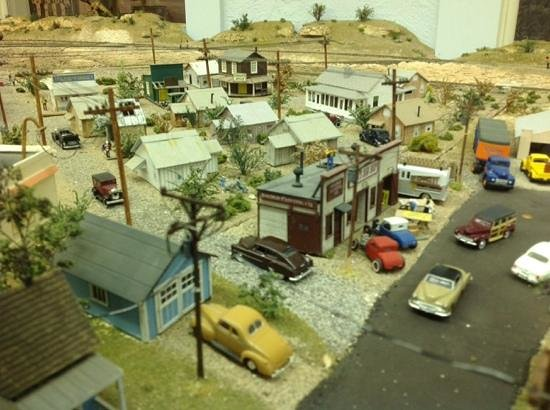 Clemenceau Heritage Museum: Model train layout