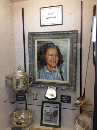 Babe Didrikson Zaharias Memorial Museum: Babe Didrikson Zaharias museum - golf awards