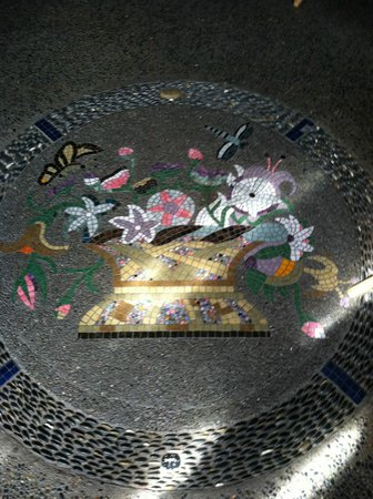 Les Artistes: Floor Mosaic
