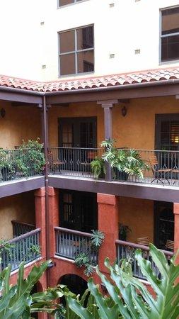 Hotel Valencia Riverwalk: Courtyard