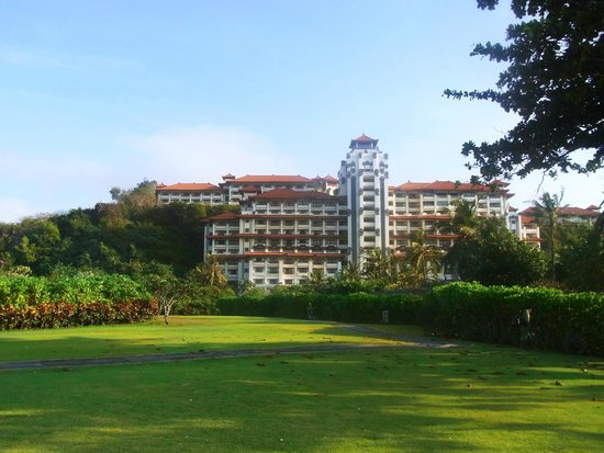 Hilton Bali Resort: View of resort building from beach