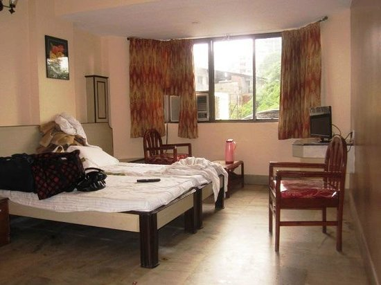 Hotel Mangalore International : Bedroom
