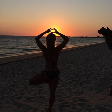 Anakao Ocean Lodge: Yoga with the sunset