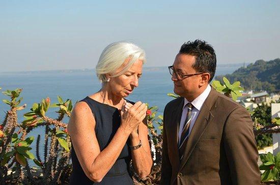 Polana Serena Hotel : The Director F&B Abhishek Negi with Christine Lagarde, Director IMF