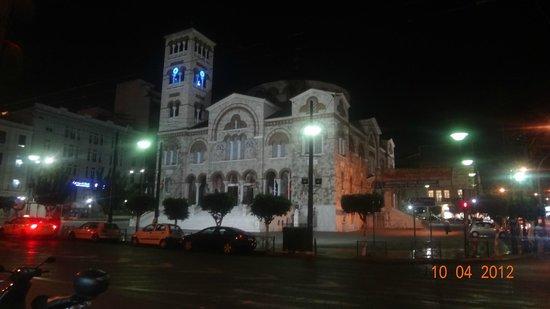 Piraeus Theoxenia Hotel: Ночной Пирей