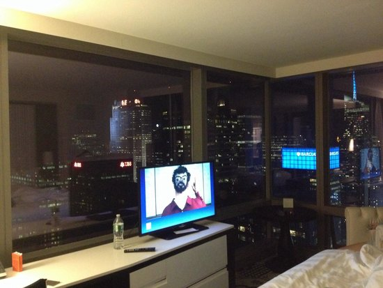 Residence Inn New York Manhattan/Central Park: View from inside 5805. Get the 05 rooms if u want this perspective