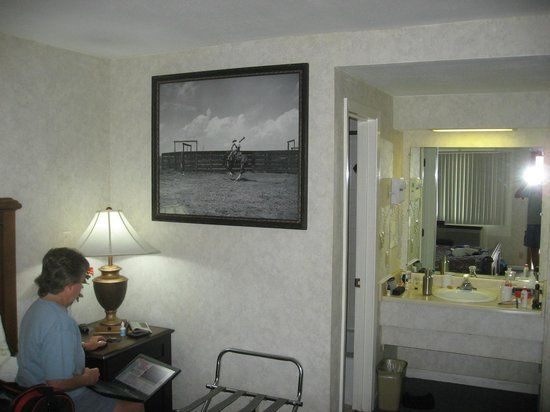 Island Inn: Wall photo