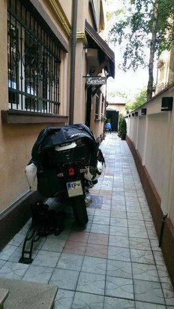 Crazy Duck Hostel: Motorcycle inside