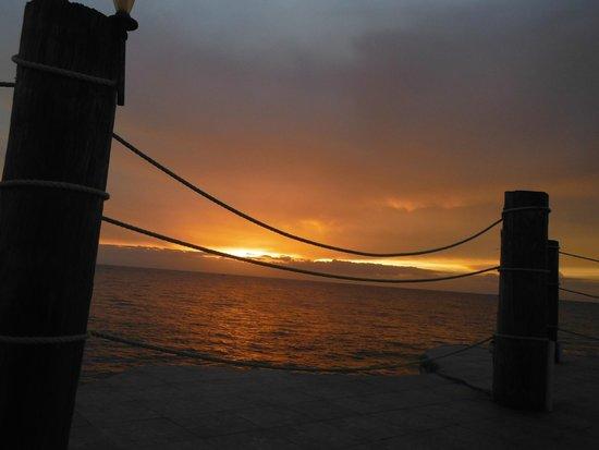Samsara Cliffs Resort: Sunset