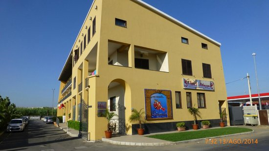 Hotel Milazzo : Prospetto frontale