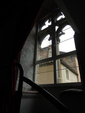 Hotel Jean XXII : jolie fenêtre médiévale