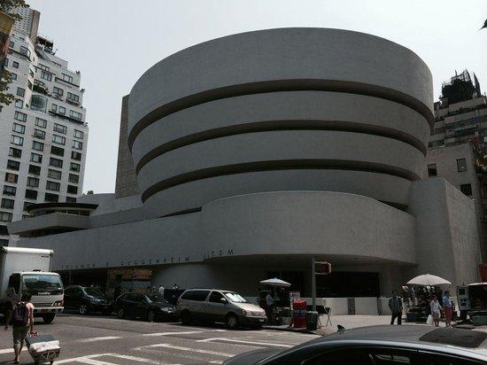 Solomon R. Guggenheim Museum: Le bâtiment