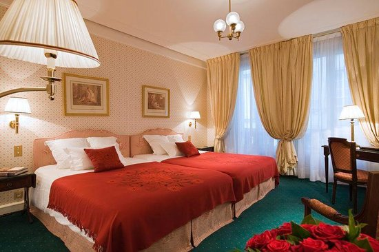 Hotel Westminster : Family Room with two queen beds