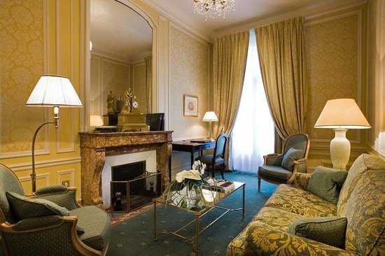 Hotel Westminster : Salon of a Saint Honore Suite
