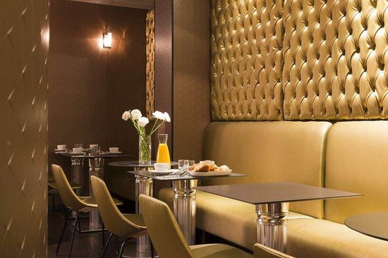Angely Hotel : Restaurant