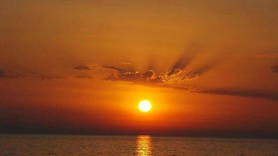 Pelagos Apartments: Beautifull Sunset