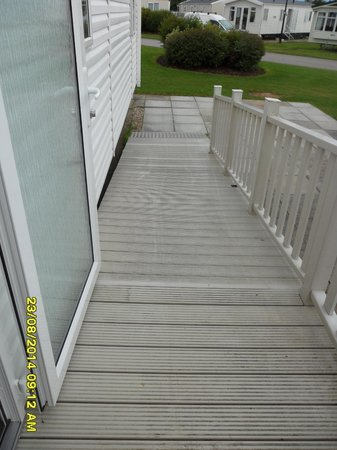 Primrose Valley Holiday Park - Haven: the access ramp of beech rise b5 very dangerous when wet