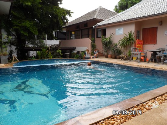 Oasis Hakuna Matata: Pool area