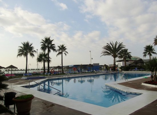 Tryp Malaga Guadalmar Hotel : piscine