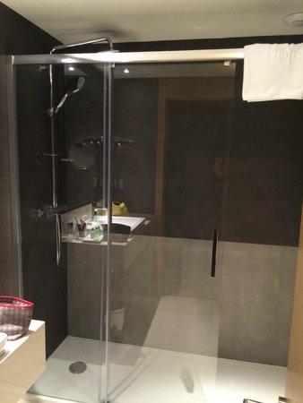 NH Collection San Sebastian Aranzazu: Shower