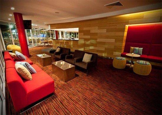 Rydges Cronulla: Hotel Bar Lounge