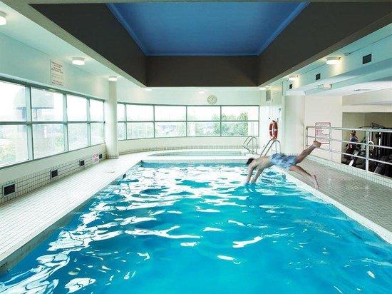 Rydges Parramatta: Pool