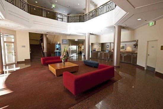 Rydges Cronulla: Hotel Foyer
