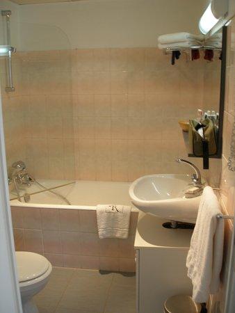Hotel La Reserve : chambre 15