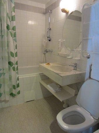 Original Sokos Hotel Seurahuone : Bathroom