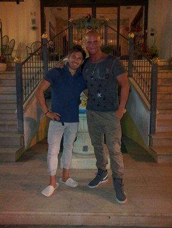 Hotel Zeus: Il grande Daniel..!!!brillante portiere notturno.