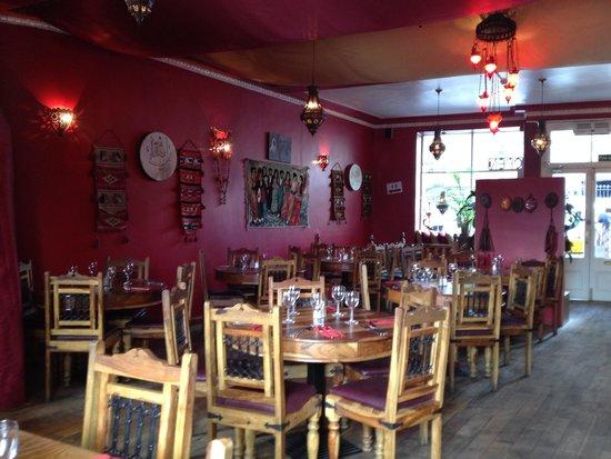 Hanam's Middle East Restaurant: All'interno