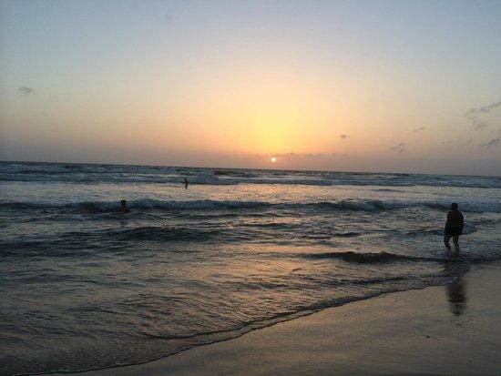 Bentota Beach by Cinnamon: Sonnenuntergang am Bentota Beach