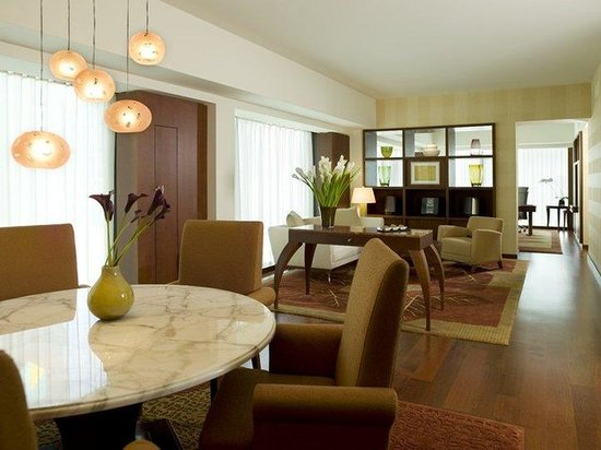 Park Hyatt Zurich - Park Exec Suite Living Rm Office