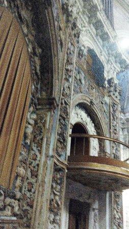 Cattedrale di Palermo: Santissimo Salvatore, particolare di un palchetto.