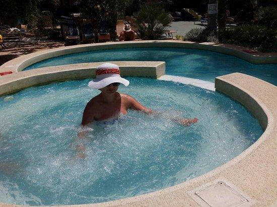 Hotel Fortina: L idromassaggio nella piscina interna