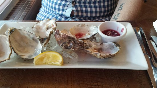 Espresso Seafood Bar and Grill: Oysters