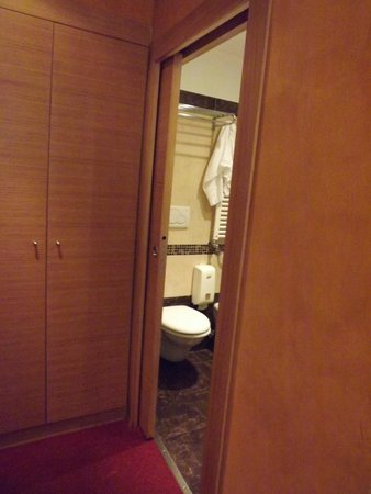 Hotel Galatea : ARMARIO