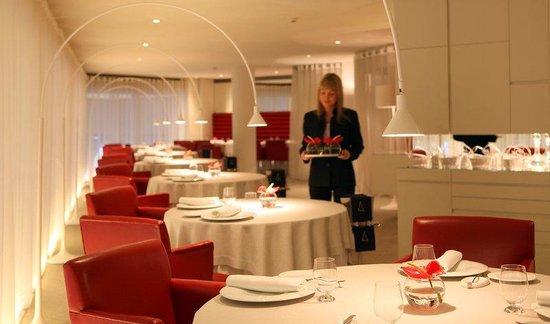 Hotel Cram: Angle Restaurant