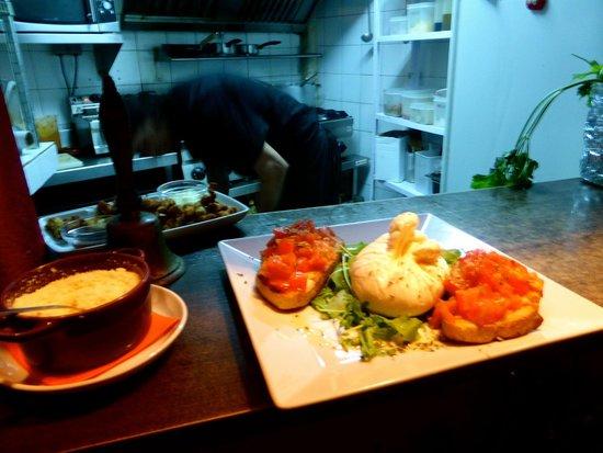 Palapa Restaurant & Bar: burata... woaw!