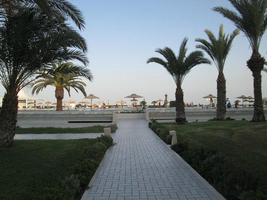 IBEROSTAR Averroes : Vue coté piscine et plage