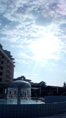Hotel Abano Verdi Terme: piscina all'alba
