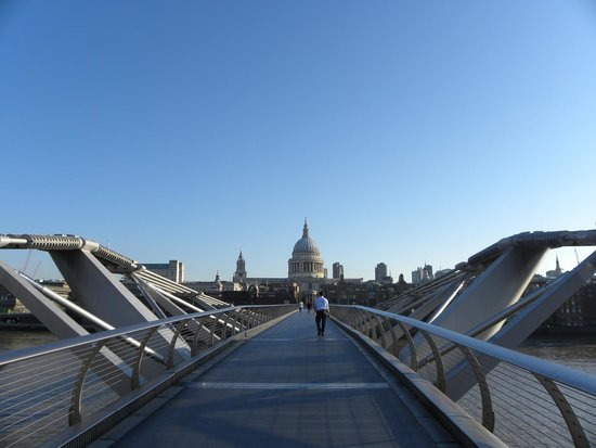 Millennium Bridge : By the break of day...