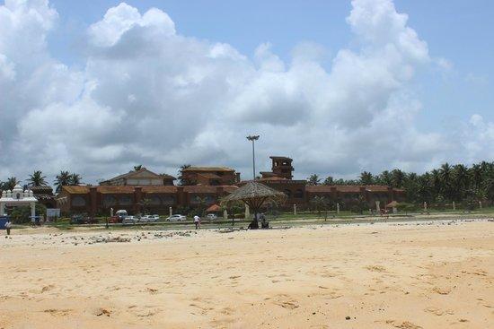 Paradise Isle Beach Resort: View of hotel from beach