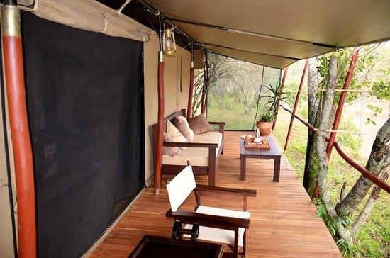 Mara Bush Camp - Private Wing: Terrasse vor dem Zelt