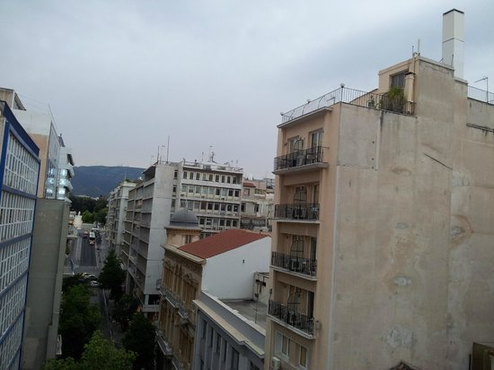 Athens Diamond Plus: The view from breakfast room towards Parliament/Syntagma Sq