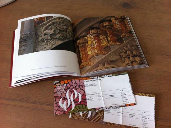 Palau de la Musica Orfeo Catala: Книжка из сувенирной лавки Дворца