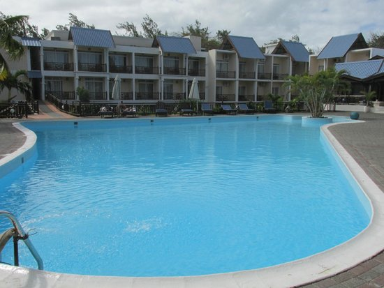 Le Peninsula Bay Beach Resort: Garden pool