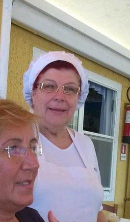 Ristorante Sapore di Sale da Gina: la Signora Gina. una certezza in cucina